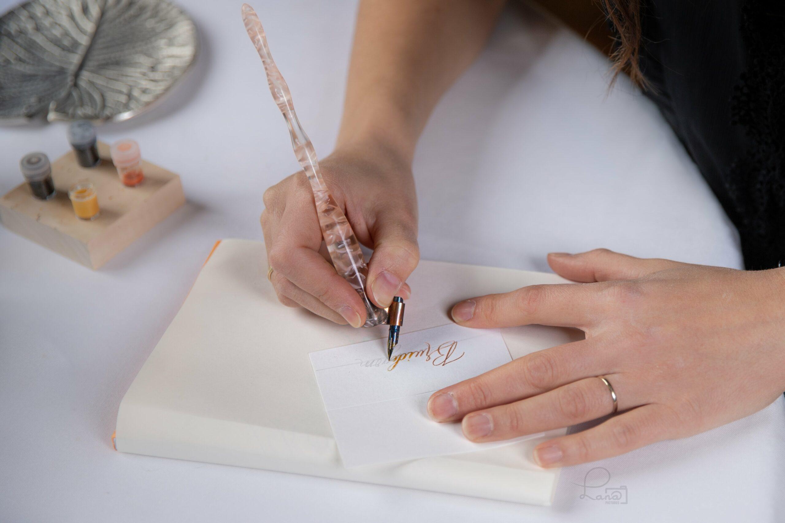 kalligraferen met obliquepen