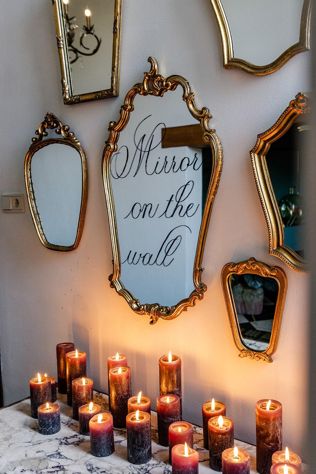 kalligrafie op spiegel