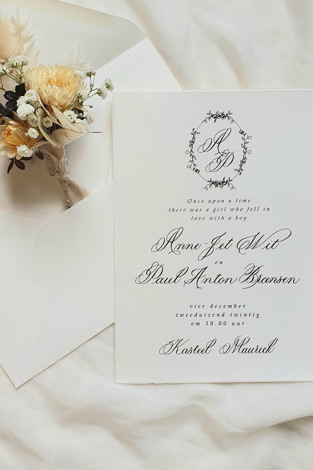 trouwkaart klassieke kalligrafie sprookjesthema