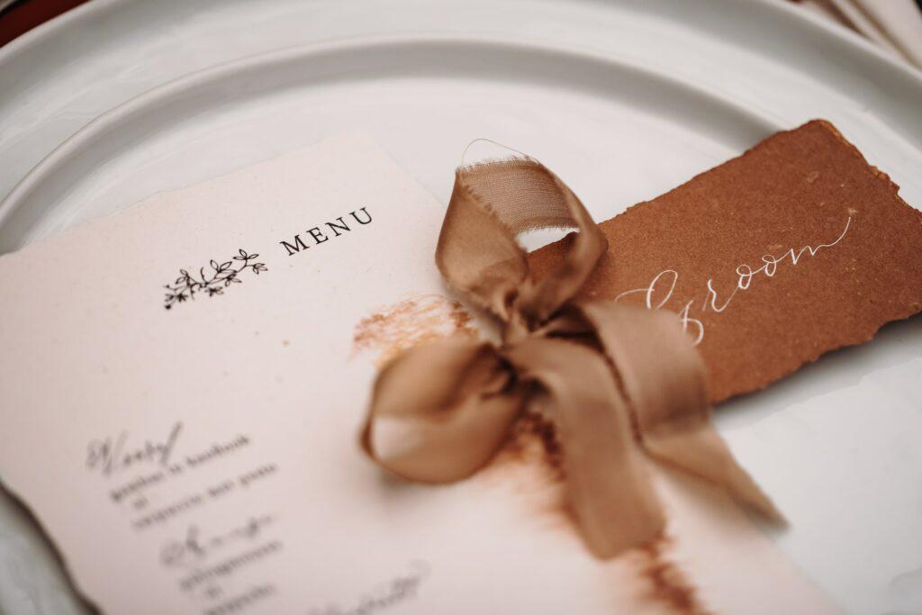 menu met naamkaartje bruiloft kalligraie