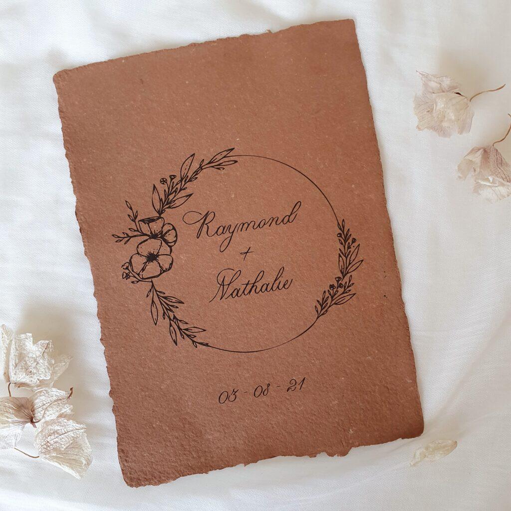 stijlvolle trouwkaart met moderne kalligrafie